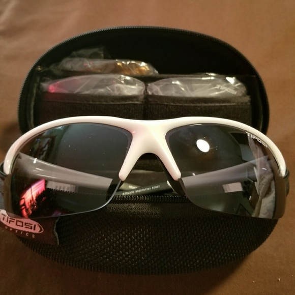 ab414f4c49 Tifosi Stelvio Sunglasses and changeable Lenses